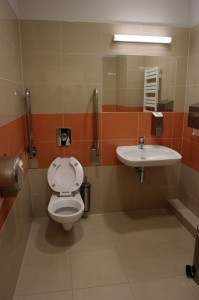 Toaleta przystosowana dla potrzeb osób niepełnosprawnych