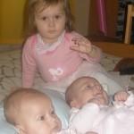 Blizniaczki z siostrą